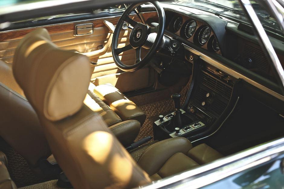 Auto Innenraum Helle Ledersitze